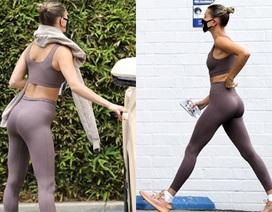 Hailey Bieber diện đồ thể thao, đeo khẩu trang ra phố