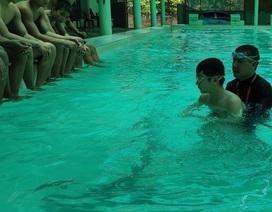 Thầy giáo vay tiền xây bể bơi để dạy miễn phí cho trẻ nhỏ