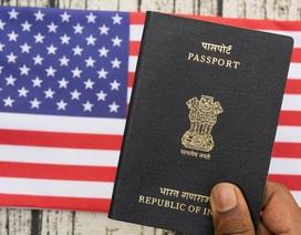 """Tổng thống Trump định hạn chế visa làm việc để """"bảo vệ"""" người lao động Mỹ"""