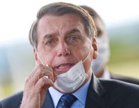 Covid-19 bùng phát mạnh, Thẩm phán Brazil yêu cầu Tổng thống đeo khẩu trang