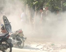 Xe máy bốc cháy trước cây xăng