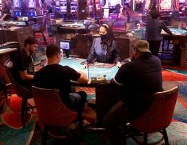 """""""Thưởng nóng"""" khi đeo khẩu trang đến sòng bạc ở Las Vegas"""