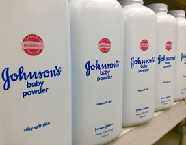 Johnson&Johnson bồi thường tiền tỷ do sản phẩm chứa chất gây ung thư
