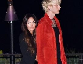 Megan Fox nắm tay bồ trẻ đi ăn tối
