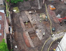 Phát hiện những ngôi mộ bí ẩn ở Anh