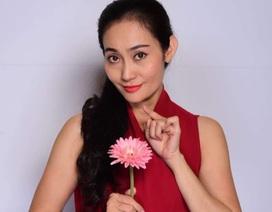 NSƯT Hạnh Thúy tiết lộ lý do mình ít được nhận hoa trên sân khấu