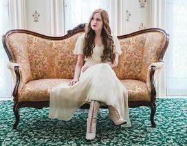 Cô gái trẻ sống như nữ quý tộc ở thế kỷ 19