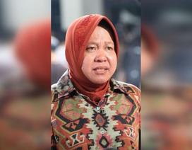 """Bệnh viện """"vỡ trận"""" vì Covid-19, thị trưởng Indonesia quỳ khóc xin lỗi"""
