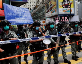 Hong Kong bắt giữ 30 người vi phạm luật an ninh mới