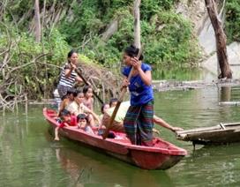 Vượt núi, vượt hồ tìm con chữ của học sinh bản Xốp Cháo, Cà Moong