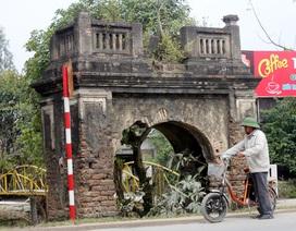 Cổng làng - miền ký ức của những đứa con xa quê
