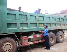 Hai doanh nghiệp vận tải tự giác cắt gọt thành thùng xe