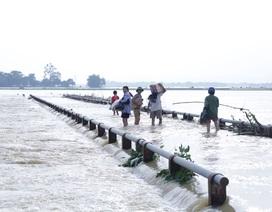 """""""Quên"""" nộp lại hàng tỷ đồng hỗ trợ tiền điện, tiền phòng chống bão lụt còn dư"""