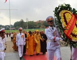 Đại biểu Phật giáo toàn quốc viếng lăng Chủ tịch Hồ Chí Minh