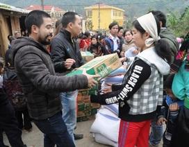 Hân hoan mang Tết ấm cho bà con dân tộc vùng núi Hòa Bình