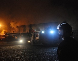 Chợ phố Hiến cháy cực lớn: Báo cháy muộn, trụ cứu hỏa không nước?