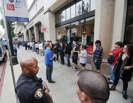 Thuê người vô gia cư xếp hàng mua iPhone 5S, iPhone 5C