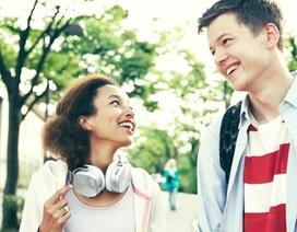 Bộ đôi máy nghe nhạc đa năng Walkman cho giới trẻ
