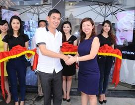 Revlon khai trương cửa hàng chính hãng đầu tiên tại Hà Nội