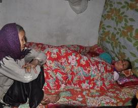 Xúc động mẹ già 90 tuổi động viên con gái đang nguy kịch trước bệnh tật