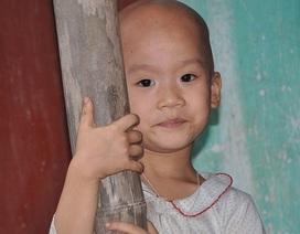 Thương bé 5 tuổi mắc bệnh lạ, bị mẹ bỏ rơi