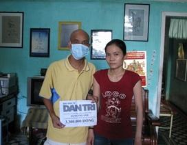 Quà nhân ái đến với thầy giáo bị ung thư máu