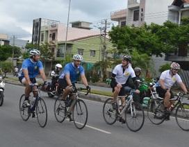 """Hành trình """"Đạp xe vì trẻ thơ"""" quyên góp được 70.000 USD"""