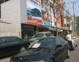 Vì sao nhiều ô tô được rao bán ngoài đường?