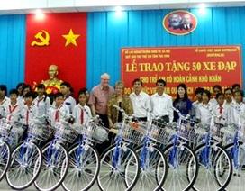 Trà Vinh: Trao tặng 50 xe đạp cho học sinh nghèo