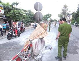 Kinh hãi chứng kiến người đàn ông tự thiêu giữa đường