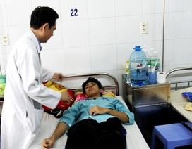 Học sinh bị đánh hội đồng xuất viện sau 12 ngày điều trị
