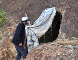 Mục sở thị đường hầm nghi đào để tìm vàng của Bí thư huyện