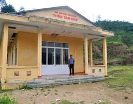 Mượn nhà sinh hoạt thôn làm phòng học cho học sinh lớp 1, 2, 3