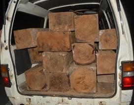 CSGT truy đuổi xe chở gỗ lậu suốt 20km