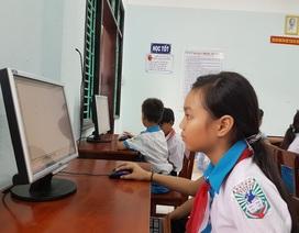 Tặng một phòng học máy tính cho học sinh Quảng Nam