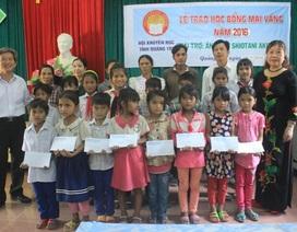 """Quảng Trị: Học bổng """"Mai Vàng"""" tiếp sức cho học sinh nghèo miền núi"""