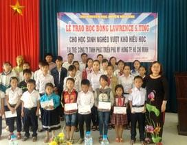 Quảng Trị: Trao 100 suất học bổng đến học sinh, sinh viên nghèo