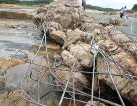 Tràn xả lũ đập Nam Thạch Hãn hư hỏng nặng