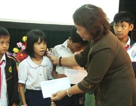 Quảng Trị: Trao 30 suất học bổng cho học sinh vùng chịu ảnh hưởng của mưa lũ