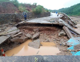 Nhiều công trình giao thông hư hỏng nặng do mưa lũ