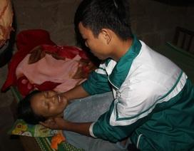 Mẹ bị bệnh tim nặng, các con có nguy cơ nghỉ học, nương nhờ cửa chùa