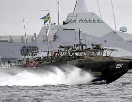 Thụy Điển ngừng hợp tác quân sự với Nga