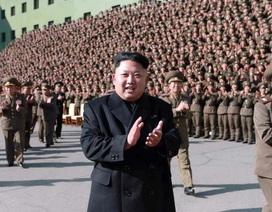 Truyền hình Triều Tiên chiếu cảnh lãnh đạo Kim Jong-un đi tập tễnh