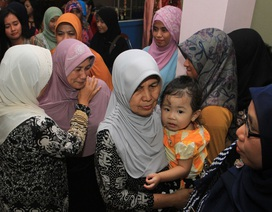 AirAsia điều phi cơ đưa thân nhân đến hiện trường tìm kiếm