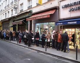 """Số mới nhất của Charlie Hebdo """"cháy"""" hàng chỉ sau ít phút"""