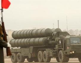 Israel lo ngại việc Nga bán hệ thống phòng không S-300 cho Iran