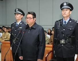 """""""Quan tham"""" Trung Quốc mê ngọc quý lĩnh án 17 năm tù vì tham nhũng"""
