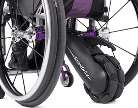 Công nghệ biến xe lăn thường thành xe lăn điện