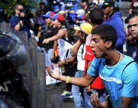 3 vấn đề khiến kinh tế Venezuela đứng trên bờ vực sụp đổ