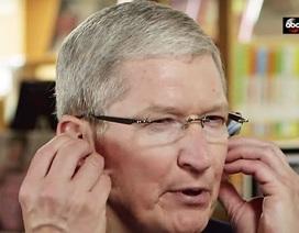 CEO Tim Cook lý giải vì sao tai nghe AirPods không dễ rơi như nhiều người lo ngại